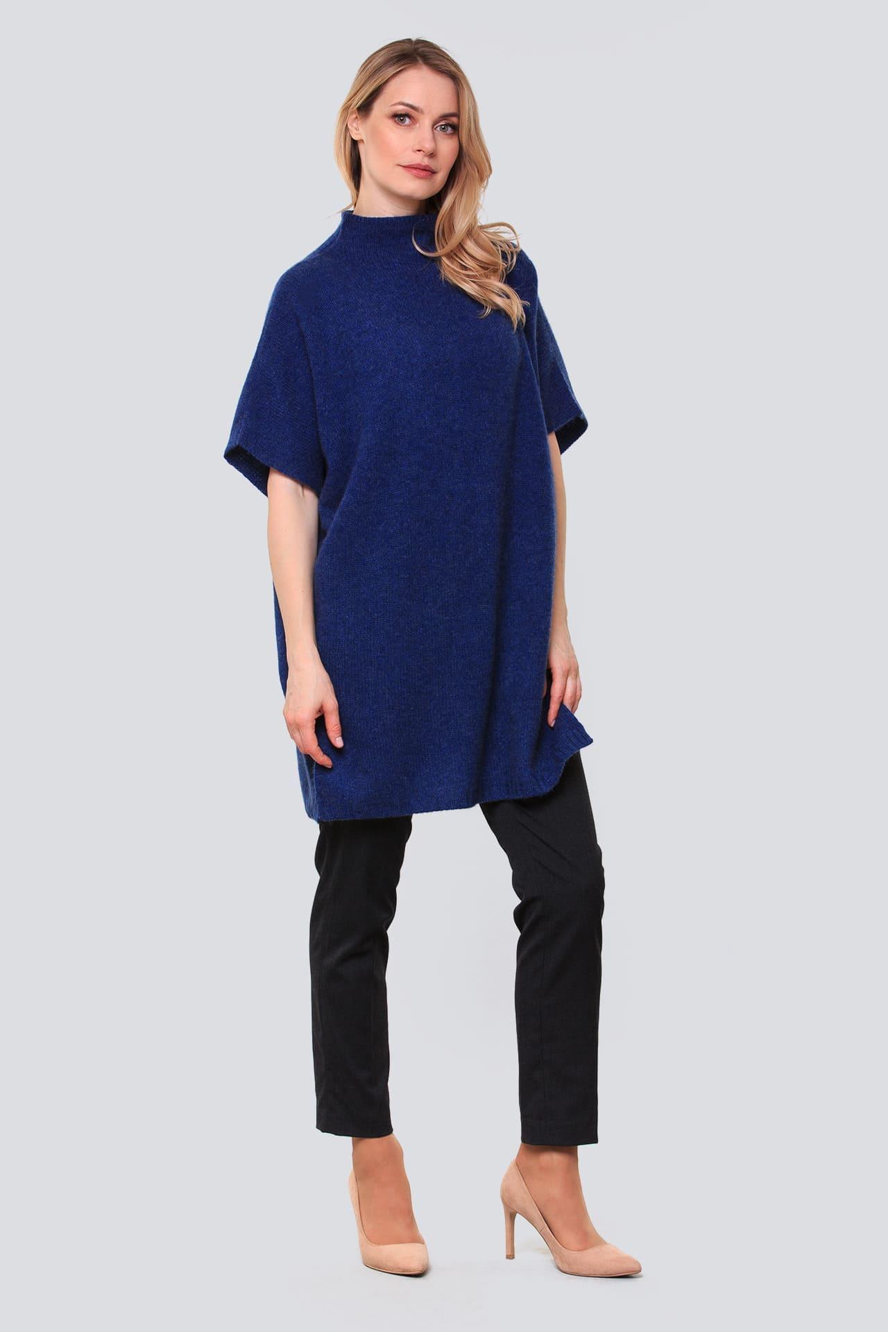 Платье-туника с боковыми разрезами