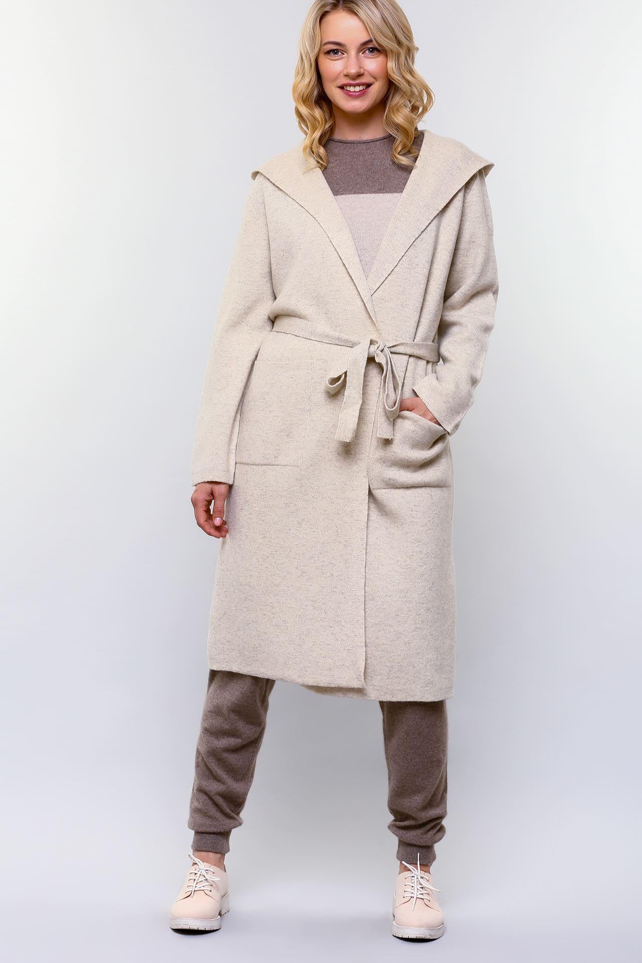 Пальто из овечьего пуха с капюшоном
