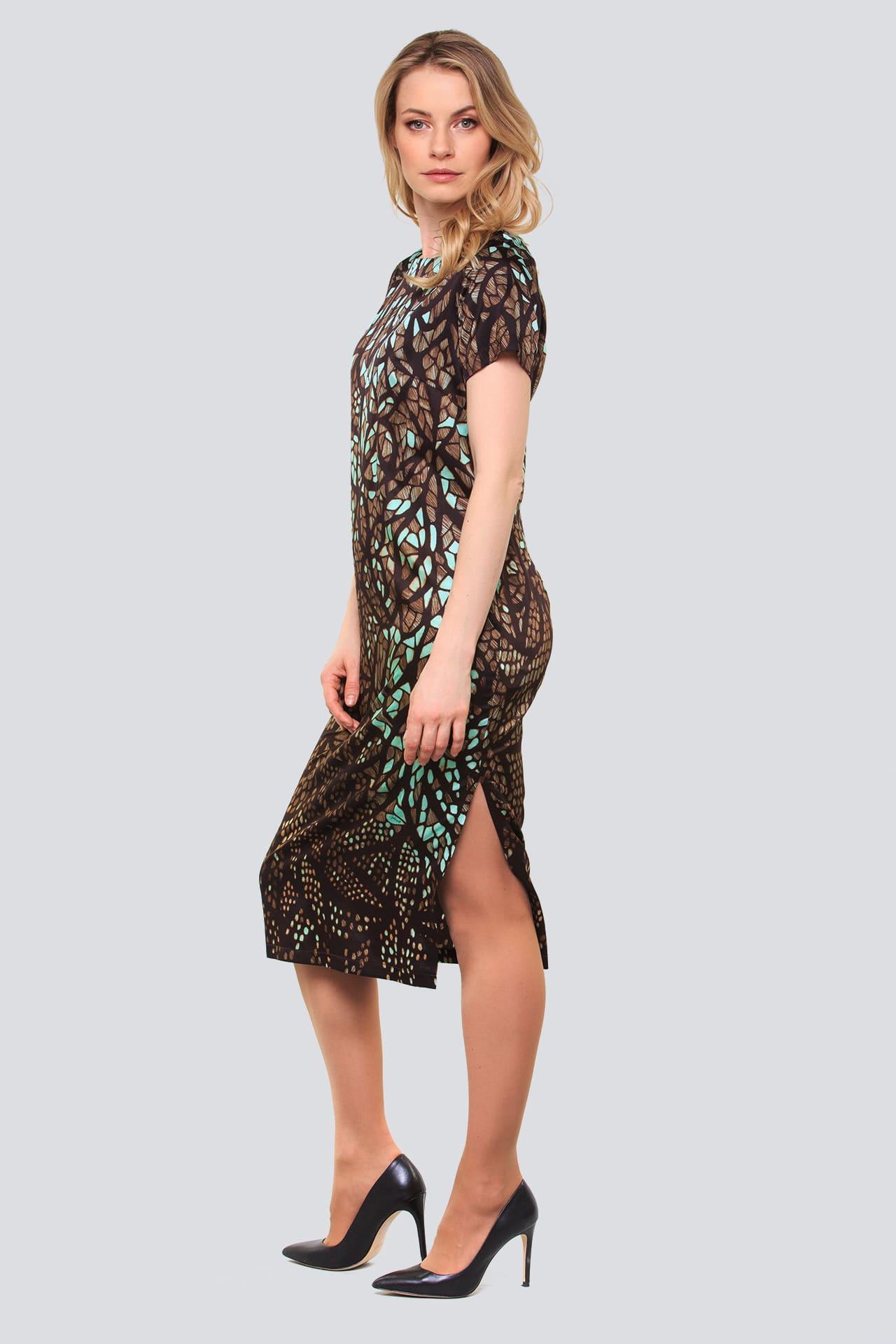 Шелковое платье с боковыми разрезами