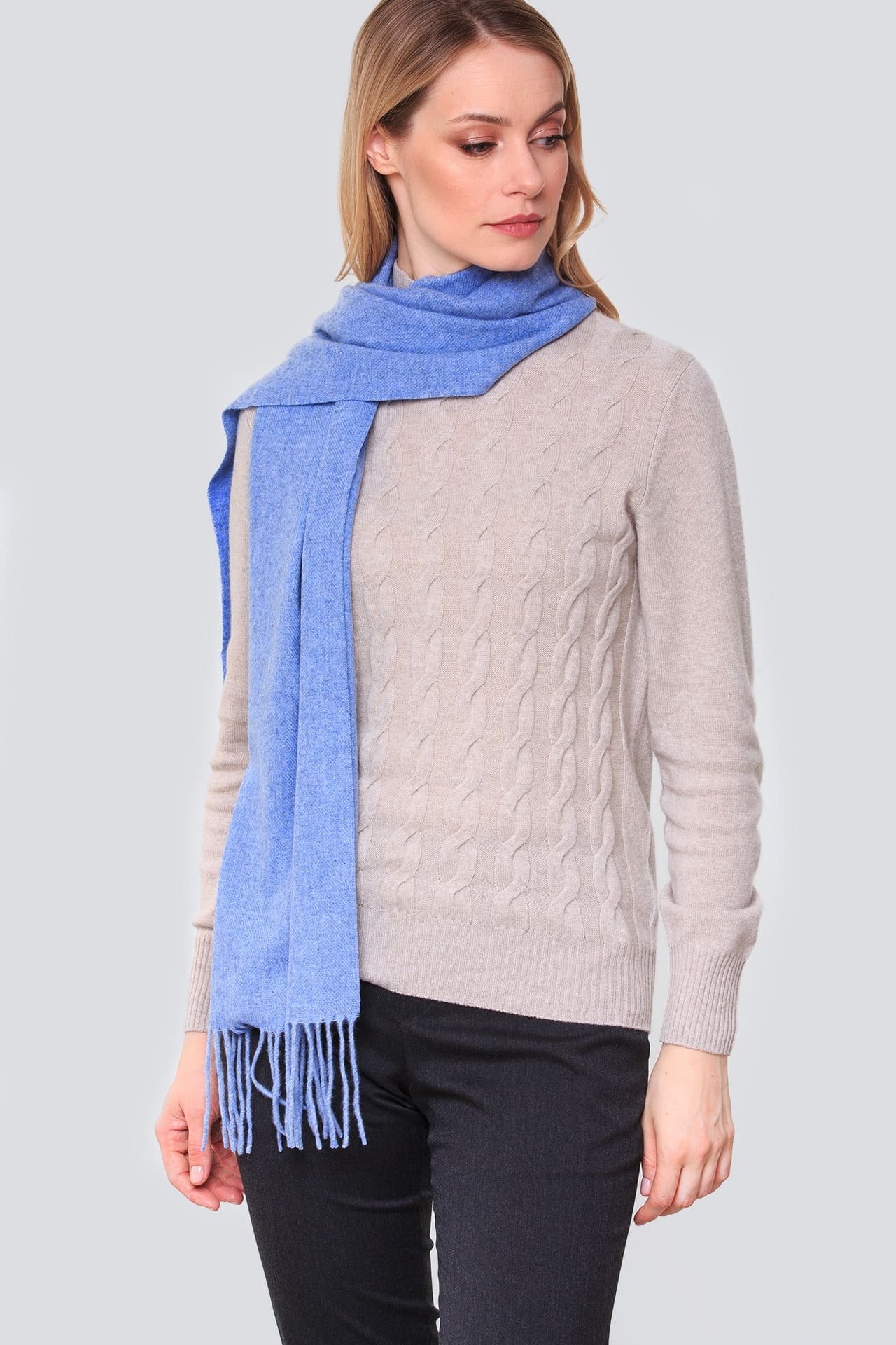 Кашемировый шарф с бахромой