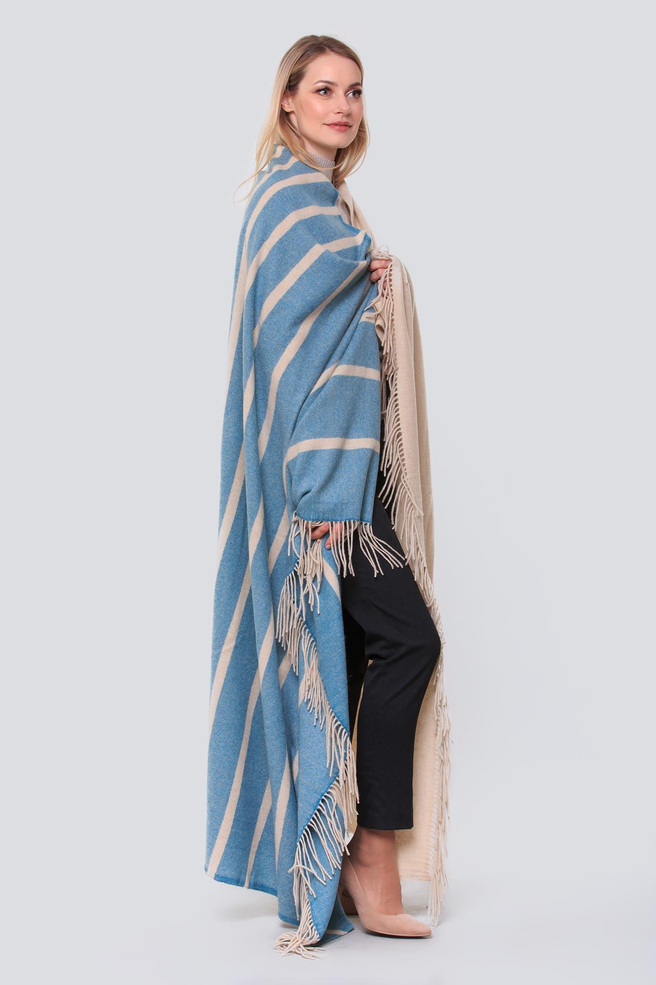 Двухцветный кашемировый плед с кисточками